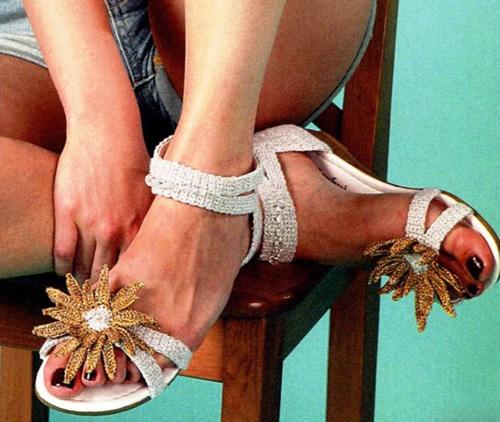 Вязанная обувь крючком и спицами
